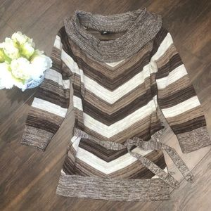 ❤️3 for $20- Fall Cowl Neck Sweater- size Medium